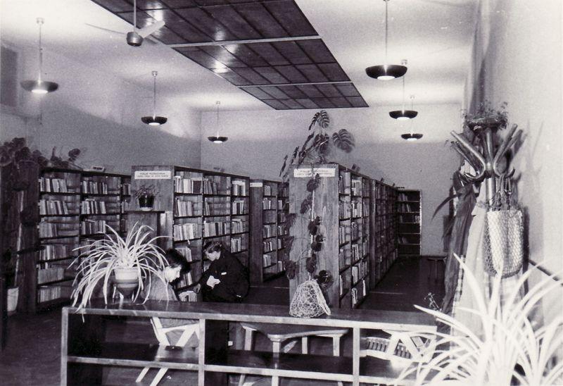 Police u Gradskoj biblioteci Sušak